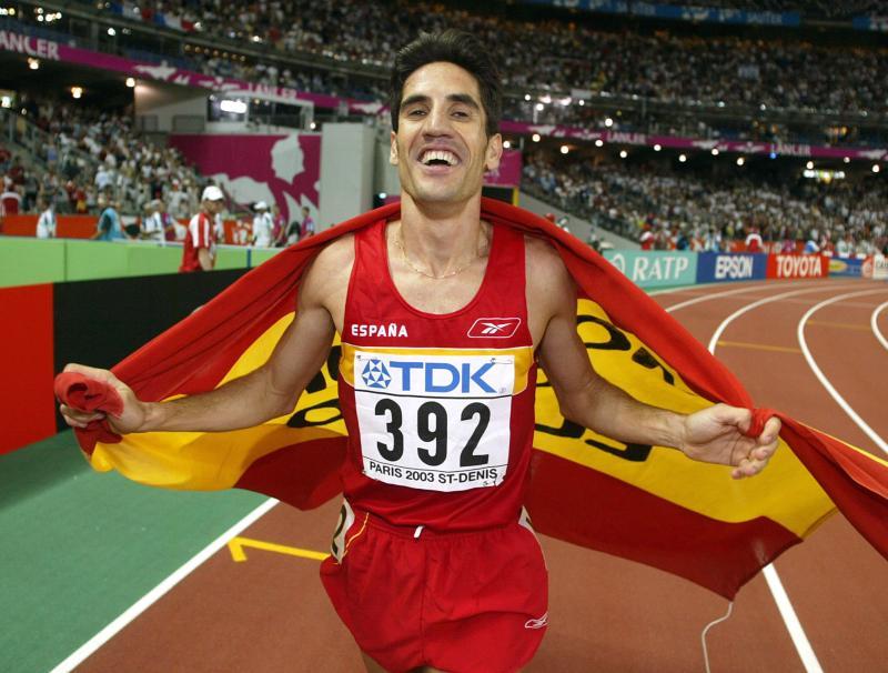 Eliseo Martín tras ganar la medalla de bronce en el Campeonato del Mundo de París en 2003