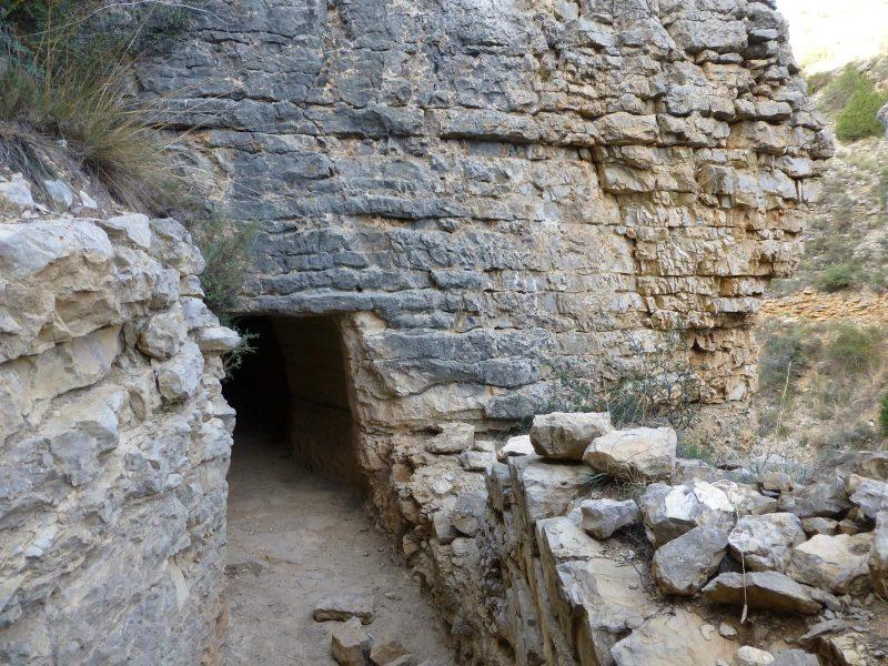 Foto de ferpatillas - Acueducto Albarracín-Cella a su paso por el Barranco de los Burros