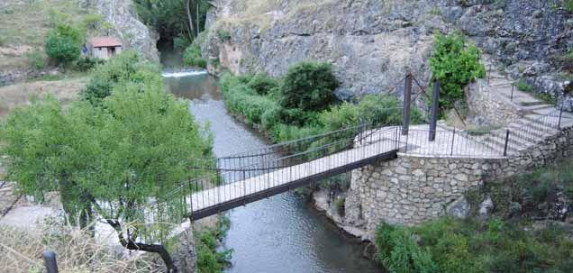 Paseo Fluvial de Albarracín, a orillas del Guadalaviar, en la provincia de Teruel