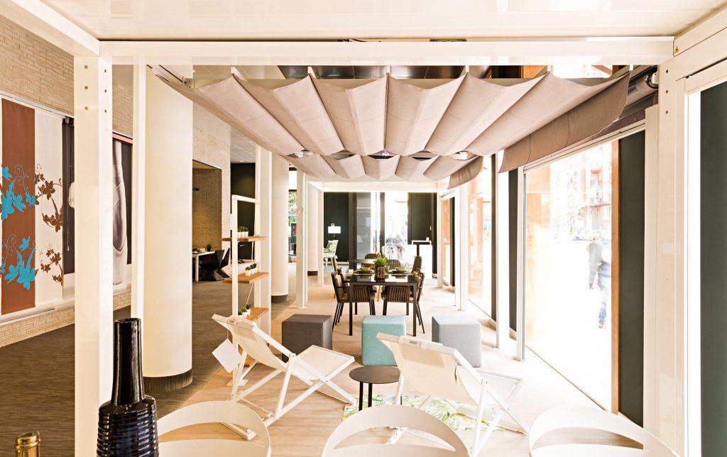 Toldos Serrano es el mejor lugar donde comprar toldos, estores para disfrutar del verano